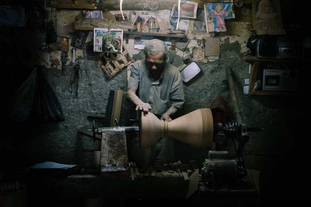carmworks handmade stools colombia